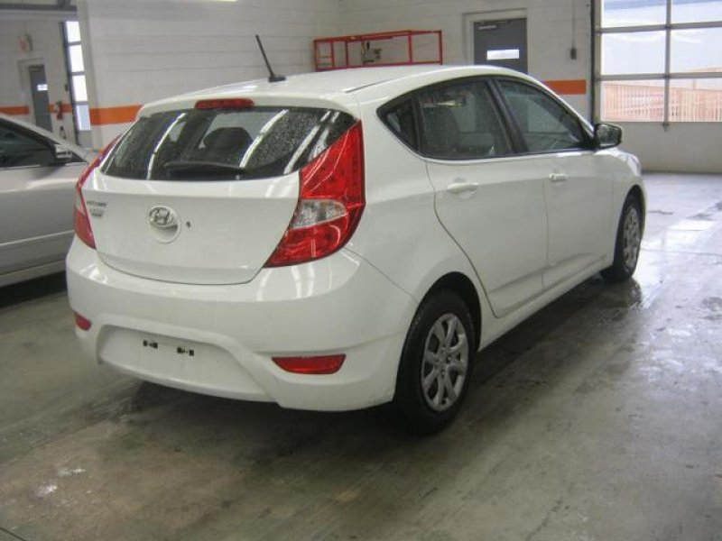 hyundai accent gs 2012 used for sale. Black Bedroom Furniture Sets. Home Design Ideas