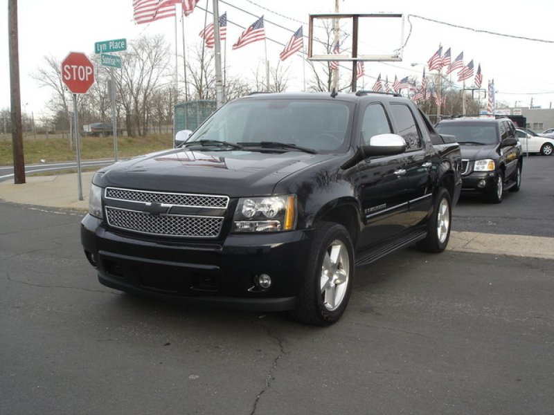 chevrolet avalanche ltz 2010 used for sale. Black Bedroom Furniture Sets. Home Design Ideas
