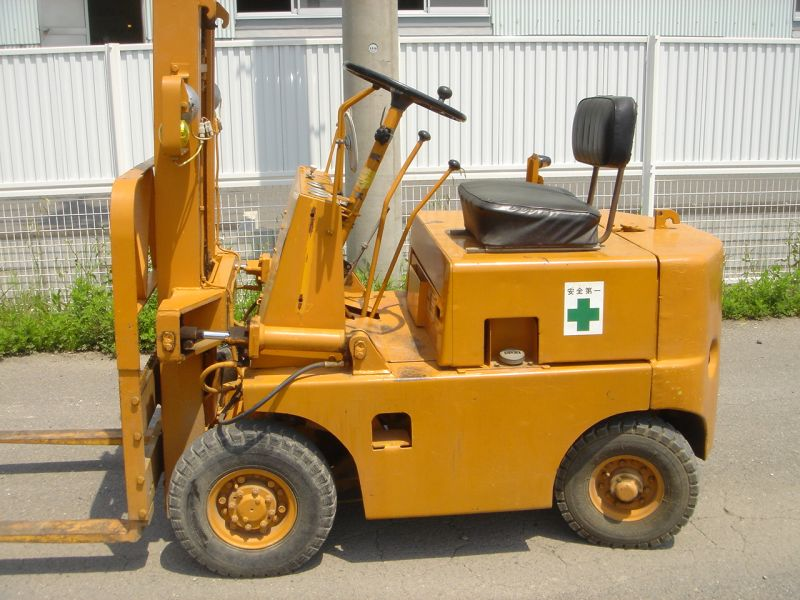 how to find the year of a komatsu forklift