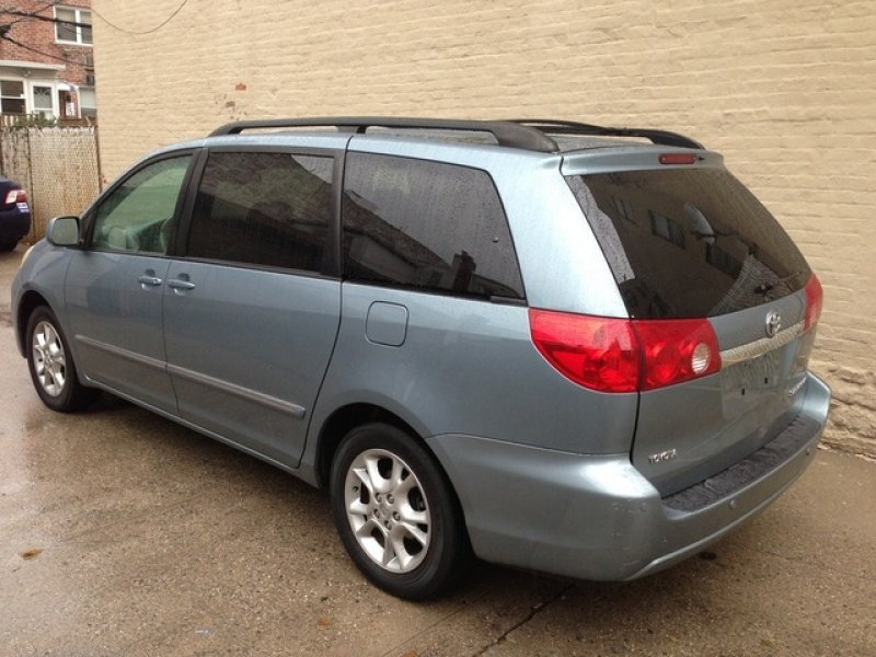 toyota sienna 2006 used for sale. Black Bedroom Furniture Sets. Home Design Ideas