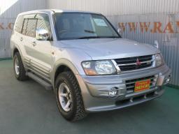 Mitsubishi PAJERO JEEP