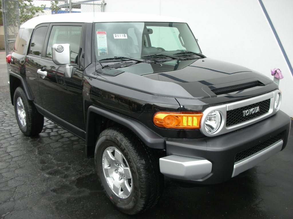 toyota fj cruiser fj n a used for sale. Black Bedroom Furniture Sets. Home Design Ideas