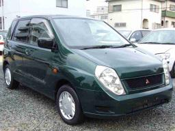 Mitsubishi Mirage Dingo Base
