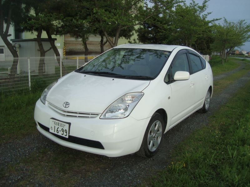 toyota prius g 2004 used for sale. Black Bedroom Furniture Sets. Home Design Ideas