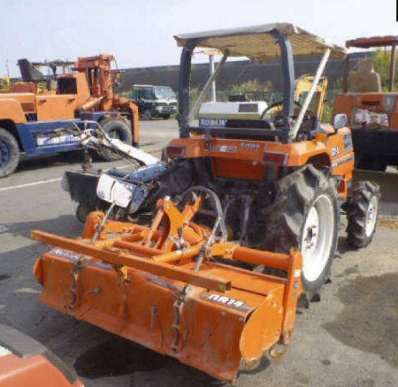 Buying Salvage Cars: Kubota TRACTOR GT-3, N/A, Used For Sale