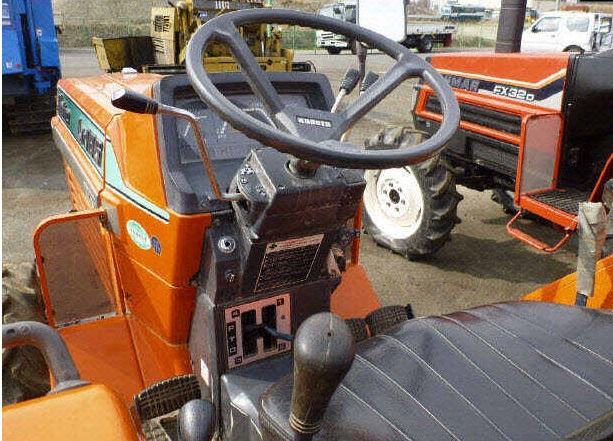 Dt Kubota M5500 Tractor Seats : Kubota l dt wd n a used for sale
