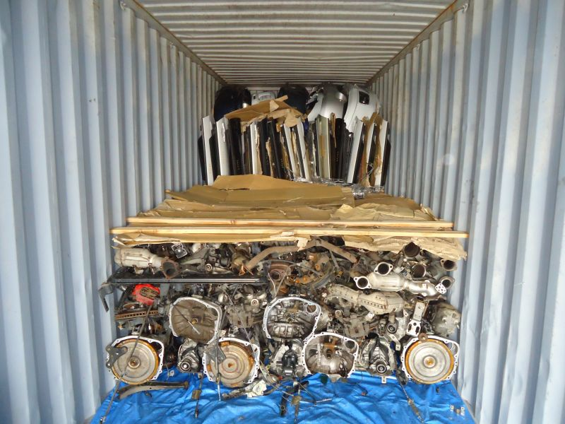 Container vanning with used parts in bulk