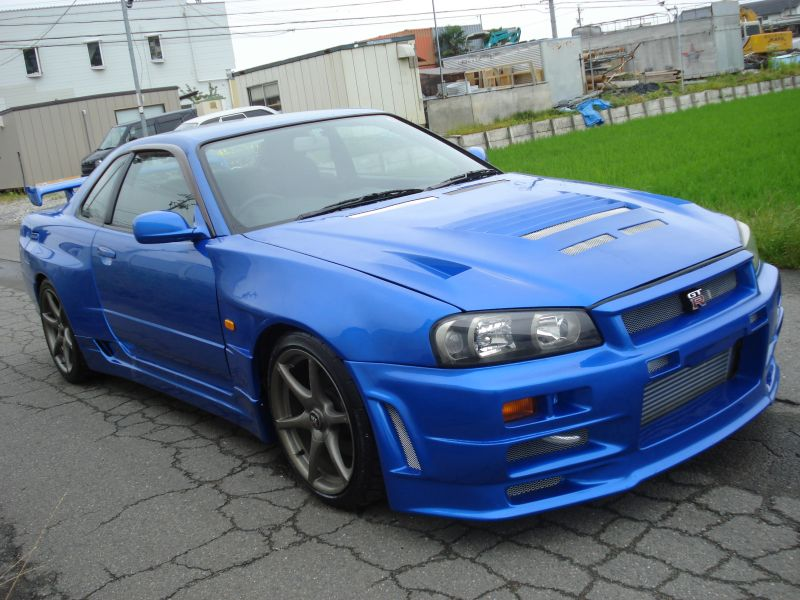 Nissan Skyline R34 GTT with R34 GTR styling