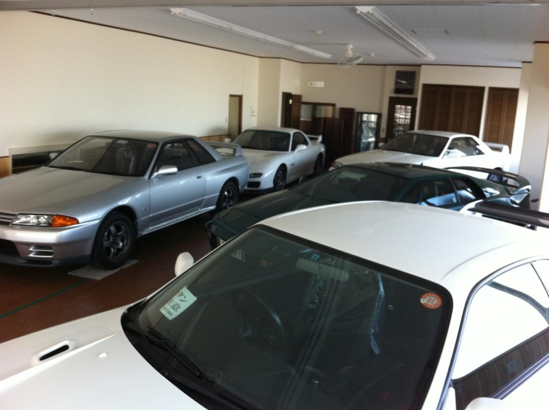 Premium car storage in Japan